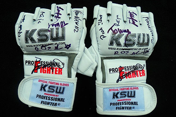 Rękawice KSW - aukcja dla Szymona