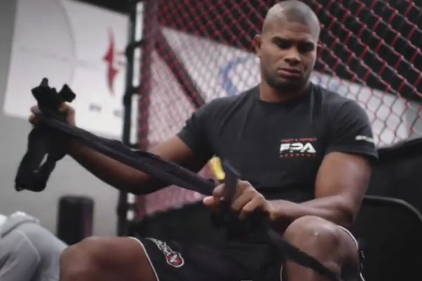 Road to the Octagon: Overeem vs. Struve